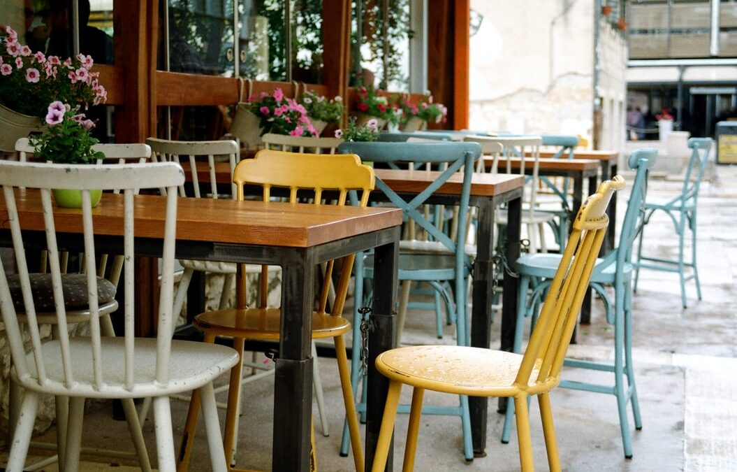 Here's Why You Should Have Misting Systems for Your Alfresco Restaurant